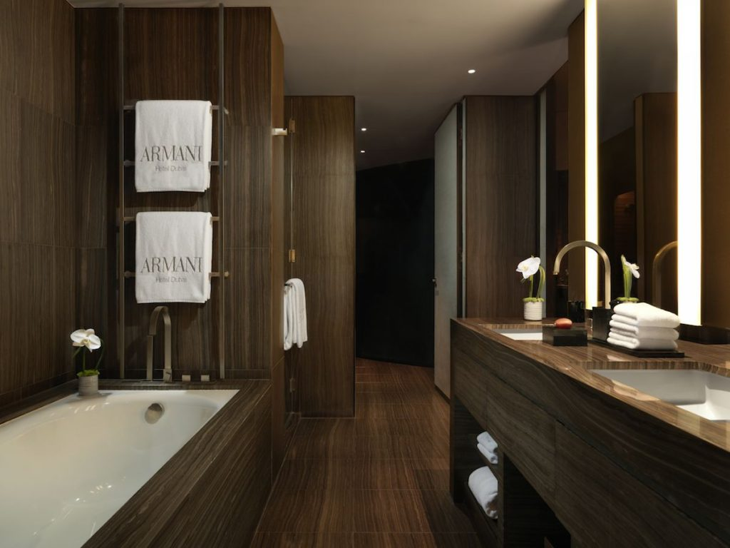 Armani luxury hotel dubai luxury resort hotel for Bathroom designs dubai